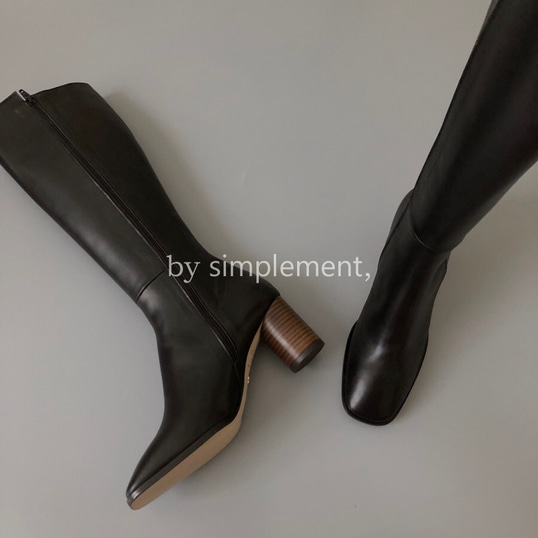 Alex Knee-high Boots by simplement, in Black
