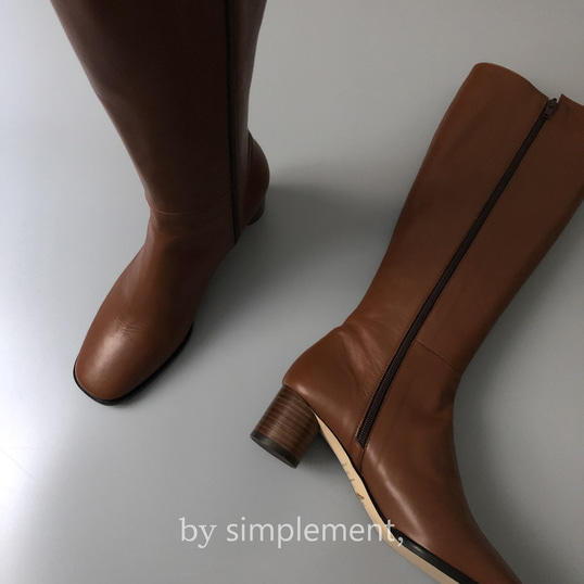Alex Knee-high Boots by simplement, in Brown
